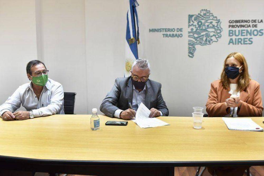 Zamora y Ruiz Malec firmaron el primer convenio Colectivo de Trabajo para municipales de Tigre
