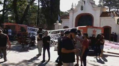 Los gastronómicos de Quilmes y del AMBA protestan en Olivos