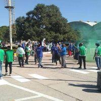 Las filiales de STIA del país manifestaron en la planta Arroyito de Arcor