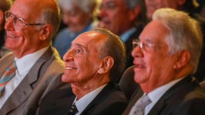 Tevez, la familia Caputo y decenas de empresarios: el listado de millonarios que no quieren pagar el impuesto a las grandes fortunas