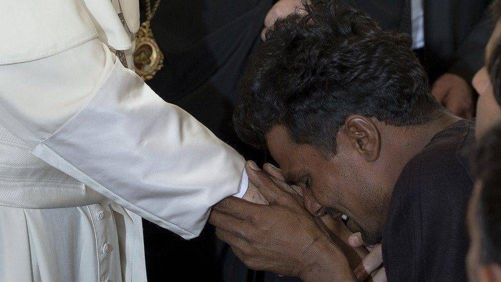 El Papa en Lesbos, hace cinco años el abrazo a los refugiados de Moria