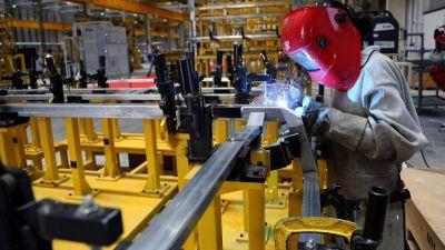 Informe laboral de la UIA: números positivos con pedido de cambios de las normas laborales