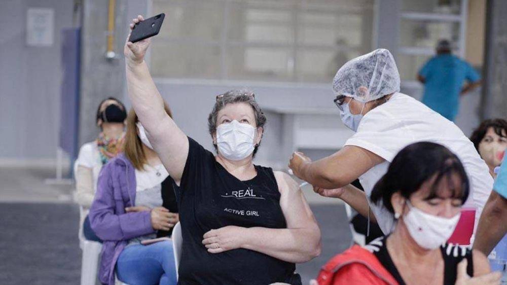 Eficacia, inmunidad y nuevas cepas: las claves de las vacunas que se aplican en Argentina