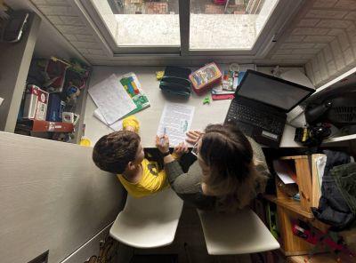 Empleados estatales podrán pedir licencia para asistir a hijos en edad escolar