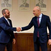En su último día de gira, Guzmán se llevó el apoyo ruso ante el FMI