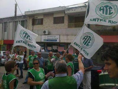Entre Ríos: Trabajadores de Salud continúan con medidas de fuerza