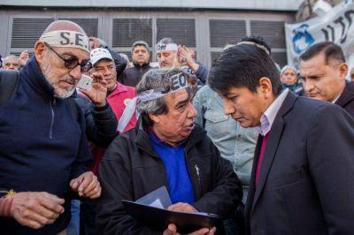 Municipales de Jujuy continúan con las protestas contra la precarización laboral