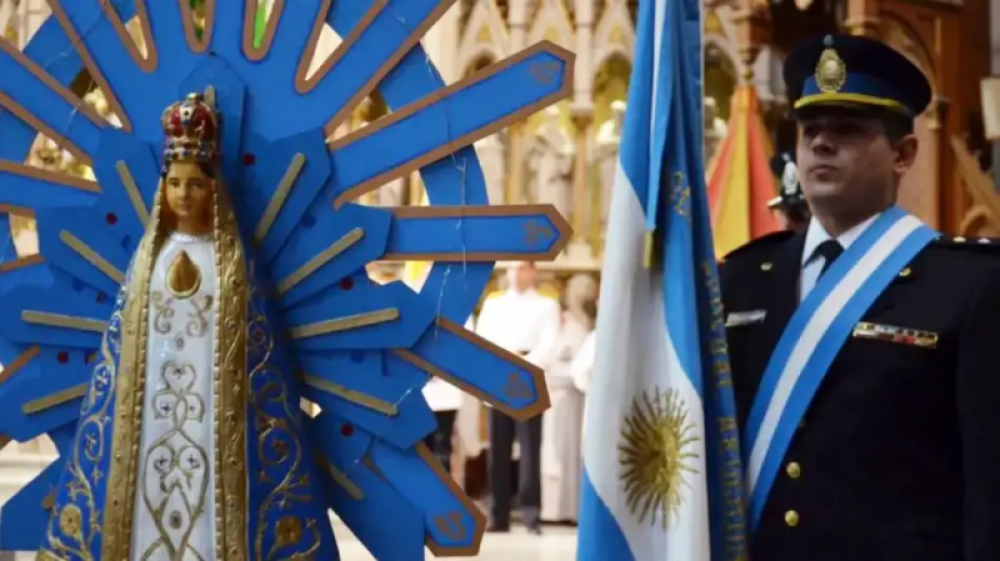 """Polémica tras reconocer a la Virgen de Luján como """"comisario general"""""""