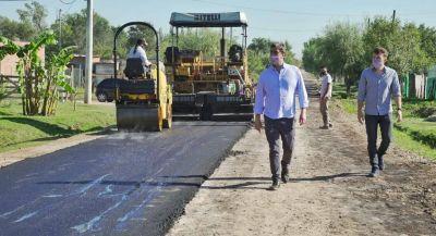 Comenzó la pavimentación en los barrios Lanusse y Villa del Parque