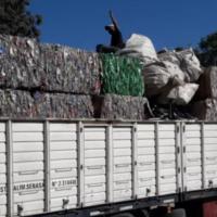 Una cooperativa correntina envió 28 toneladas de material reciclable a Santa Fe