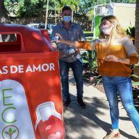 """San Fernando instaló nuevas campanas de """"Botellas de amor"""" y ya recicló quince mil kilos de plásticos de un solo uso"""