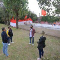 Un club de Esteban Echeverría construye un playón deportivo