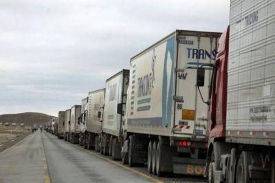 Crisis camionera bilateral: Moyano corta el puente internacional de Paso de los Libres y hay tensión con los choferes brasileños