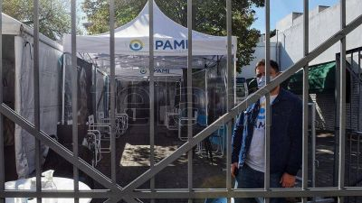 Piden informes al Ministerio de Salud porteño y al PAMI, tras las denuncias de Volnovich