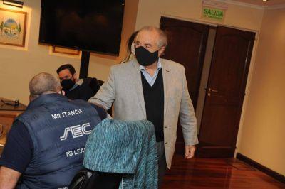 """Cavalieri reclamó que se vacune con """"rapidez"""" a los empleados de comercio"""