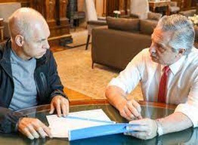 Afuera, grieta; adentro, acuerdos inevitables: la oposición y el oficialismo dan las primeras señales ¿de negociación?