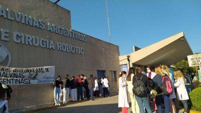 Segundo día de paro de los médicos residentes de Malvinas Argentinas, la reacción del municipio