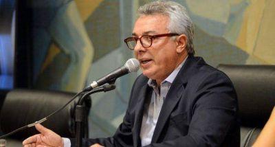 Zamora dijo que «no hay ni una sola cama de terapia intensiva» y pidió endurecer las medidas