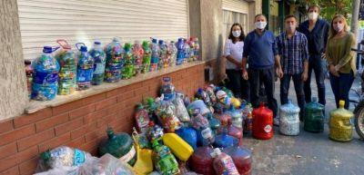 Entregaron tapitas plásticas a la Cooperadora de los Hospitales marplatenses