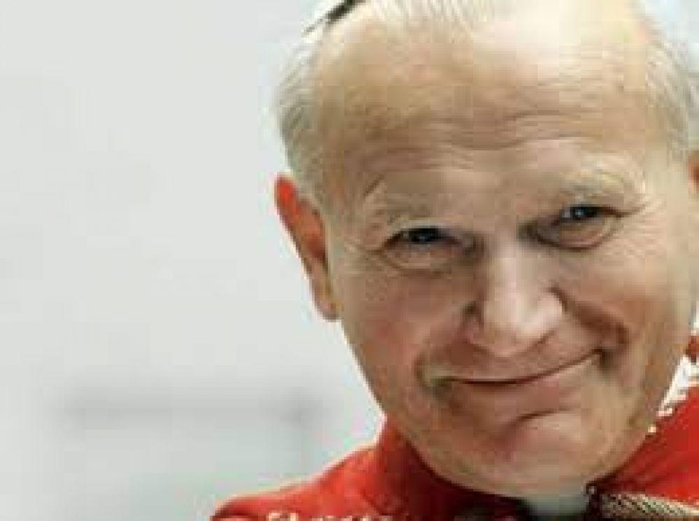 A 7 años de su canonización la voz de San Juan Pablo II sigue resonando, dice postulador