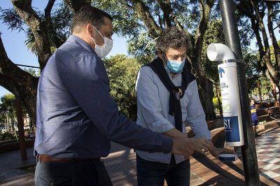 San Isidro coloca doscientos colilleros en plazas para tirar los restos de cigarrillos
