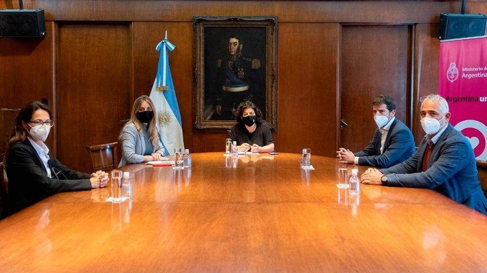 Vizzotti le pidió al presidente de Astrazeneca Argentina los plazos de entrega de vacunas