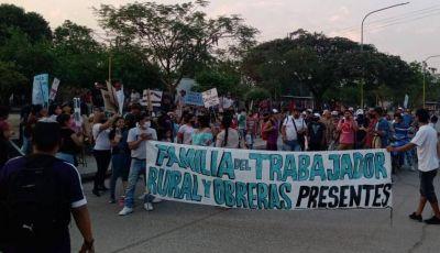 """Entrevista Pateando El Tablero.Marcha de UATRE Ledesma: """"estamos bajo la línea de pobreza"""""""