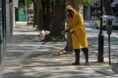 Intensifican en San Isidro las tareas de limpieza en los centros comerciales del partido