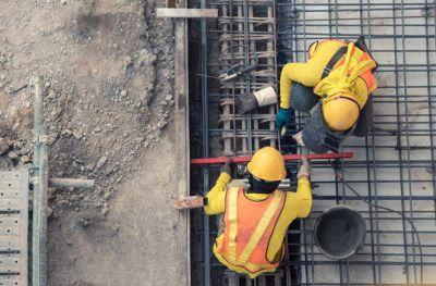 La construcción supera los 300 mil empleos registrados por primera vez desde el comienzo de la pandemia