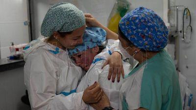 Murieron 348 personas y 23.718 fueron diagnosticadas con coronavirus en el país