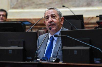 Cobos propone incentivos para fomentar la producción y el consumo de jugos naturales