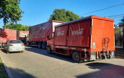 Trabajadores de Coca Cola hicieron caravana y panfleteada frente al Sindicato de Camioneros