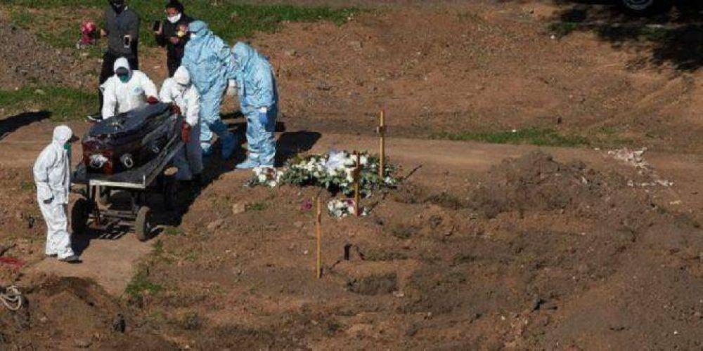 Empleados de cementerios y funerarias dejarán de retirar cuerpos de fallecidos por coronavirus por no estar inmunizados