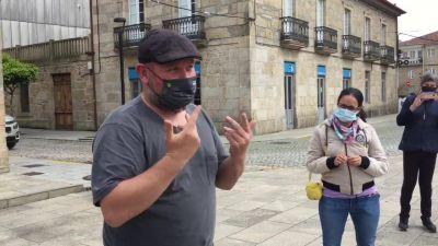 Personas sordas: con la mascarilla todo se complica e ir al médico es una odisea