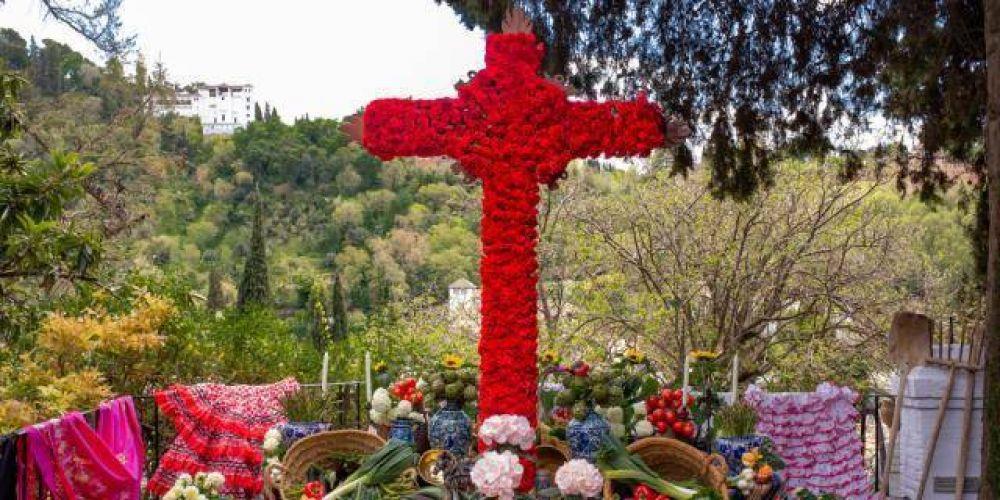 ¿Conoces el origen de la fiesta de la Cruz de mayo?