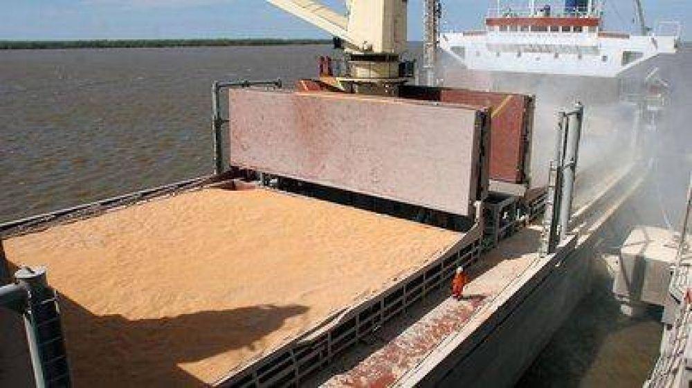 Exportadores de granos y gremios piden vacunas para el sector