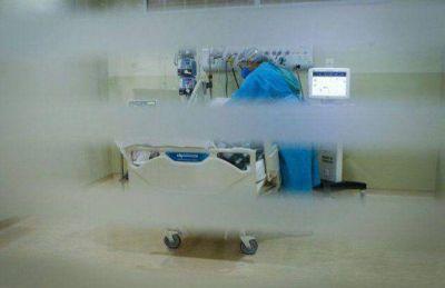 Por falta de camas en el hospital público, se reclama a sanatorios para que reciban pacientes Covid