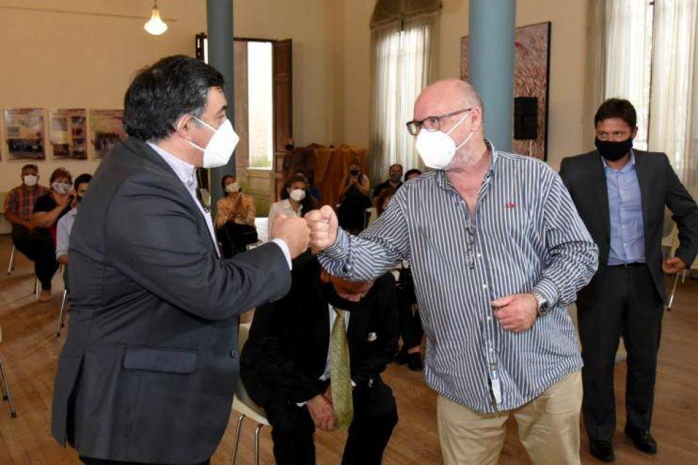 """""""El peronismo puede caminar los barrios porque vacuna y asiste"""""""