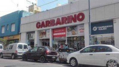 Garbarino: a los empleados les adeudan casi dos sueldos y analizan ir a un paro