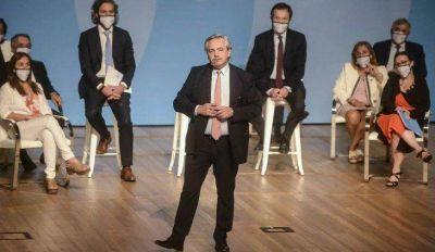 Luego de mostrarse con Cristina Kirchner, Alberto Fernández encabeza un acto junto a Beliz