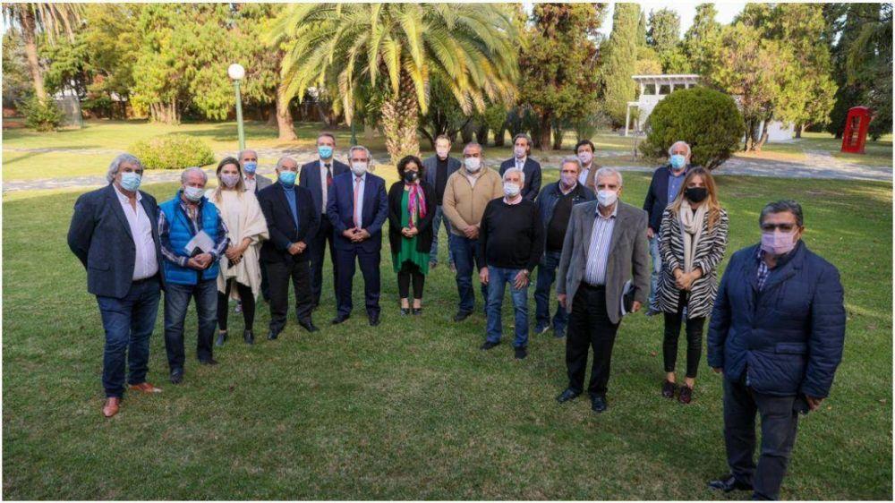 Obras sociales, situación económica y la promesa de paritarias arriba de la inflación, ejes del diálogo entre el Presidente y la CGT