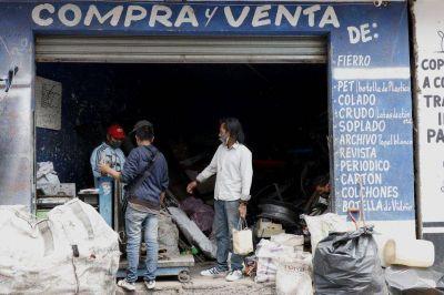 Sobrevivir de reciclaje en Tláhuac: la historia de Miguel no es única