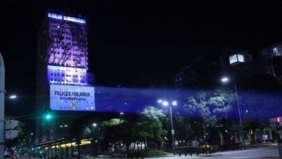 Gray proyectó un eslogan contra Máximo Kirchner en la 9 de Julio