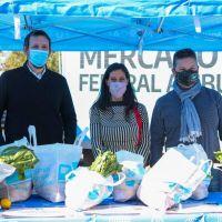 Paula Español recorrió el Mercado Federal Ambulante en Merlo y Avellaneda