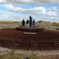 Avanza el primer molino eólico de Castelli: