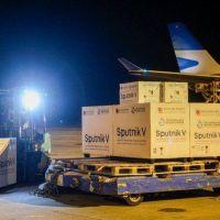 Llegó el vuelo de Aerolíneas Argentinas con otras 500 mil dosis de la vacuna Sputnik V