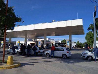 Traslasierra: taxistas bloquean estaciones por suba del GNC
