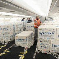 Preparan otro vuelo de Aerolíneas Argentinas para ir a buscar más vacunas Sputnik V