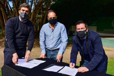 Nardini firmó un convenio con el ministro Jorge Ferraresi