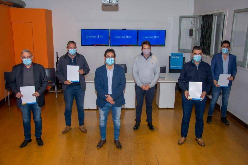 Cardozo firmó convenios para transferir fondos del Pacto Sanitario
